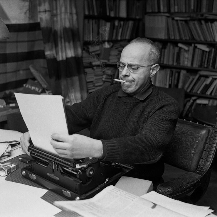 Станислав Лем в Кракове, 1971, фото: Якуб Греловский / PAP