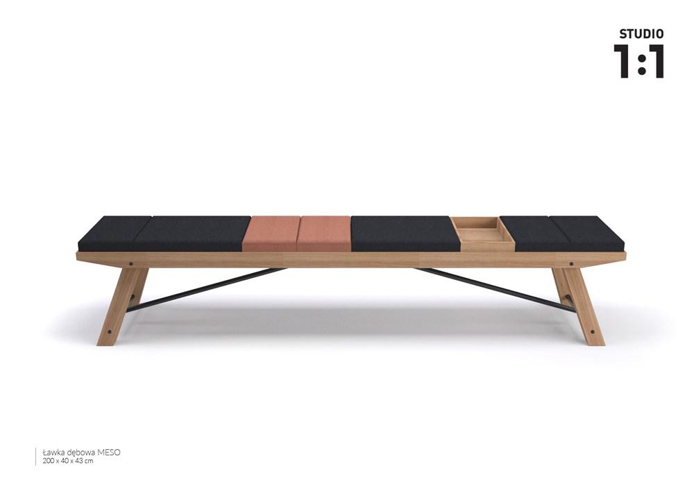 """Studio 1 na 1, ławka dębowa """"meso"""", 2017, fot. materiały IAM"""