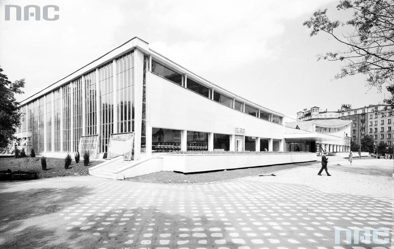 View of the southern side of the Supersam pavilion, 1962, photo: NAC