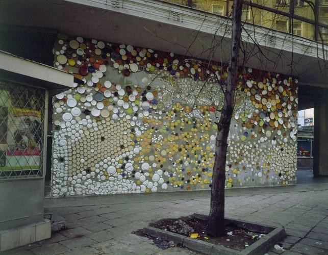 Piotr Uklański, mozaika na centrum handlowym Smyk w Warszawie, 1999, fot. dzięki uprzejmości Fundacji Galerii Foksal