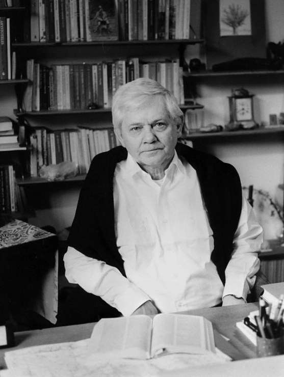 Zbigniew Herbert in his apartment, photo: Opale / East News