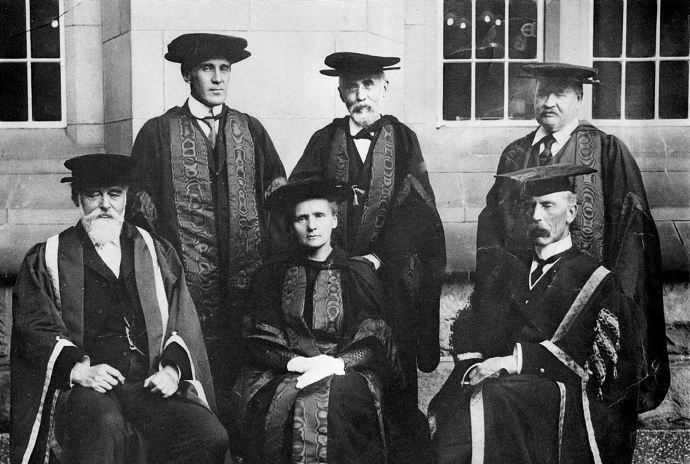 Maria Skłodowska-Curie after receiving her honorary degree at the University of Birmingham, 1913.  photo: Wydawnictwo Studio Emka