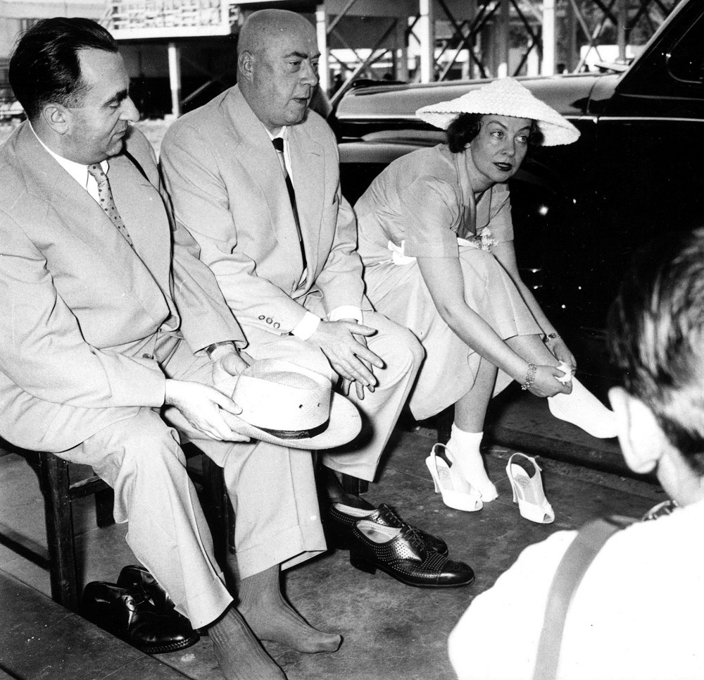 India, 1957. Polish Prime Minister Józef Cyrankiewicz with his wife, actress Nina Andrycz during the official visit to India, photo: Zygmunt Wdowiński / PAP