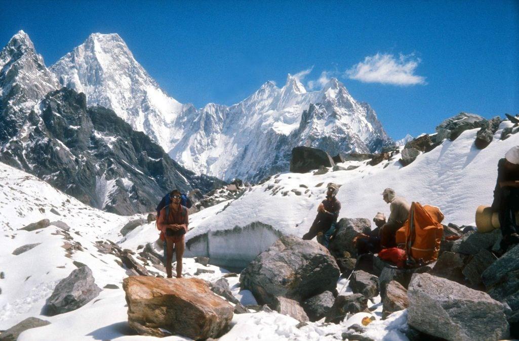 Concordia, climbers resting at the peak, photo: Janusz Kurczab