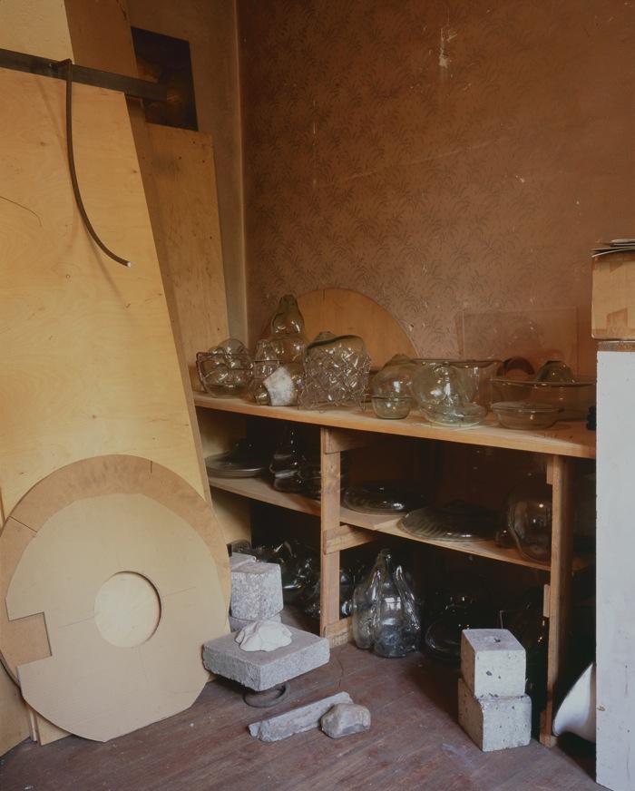 Mirosław Bałka's studio photographed by Szymon Rogiński, source: www.otwockstudio.pl