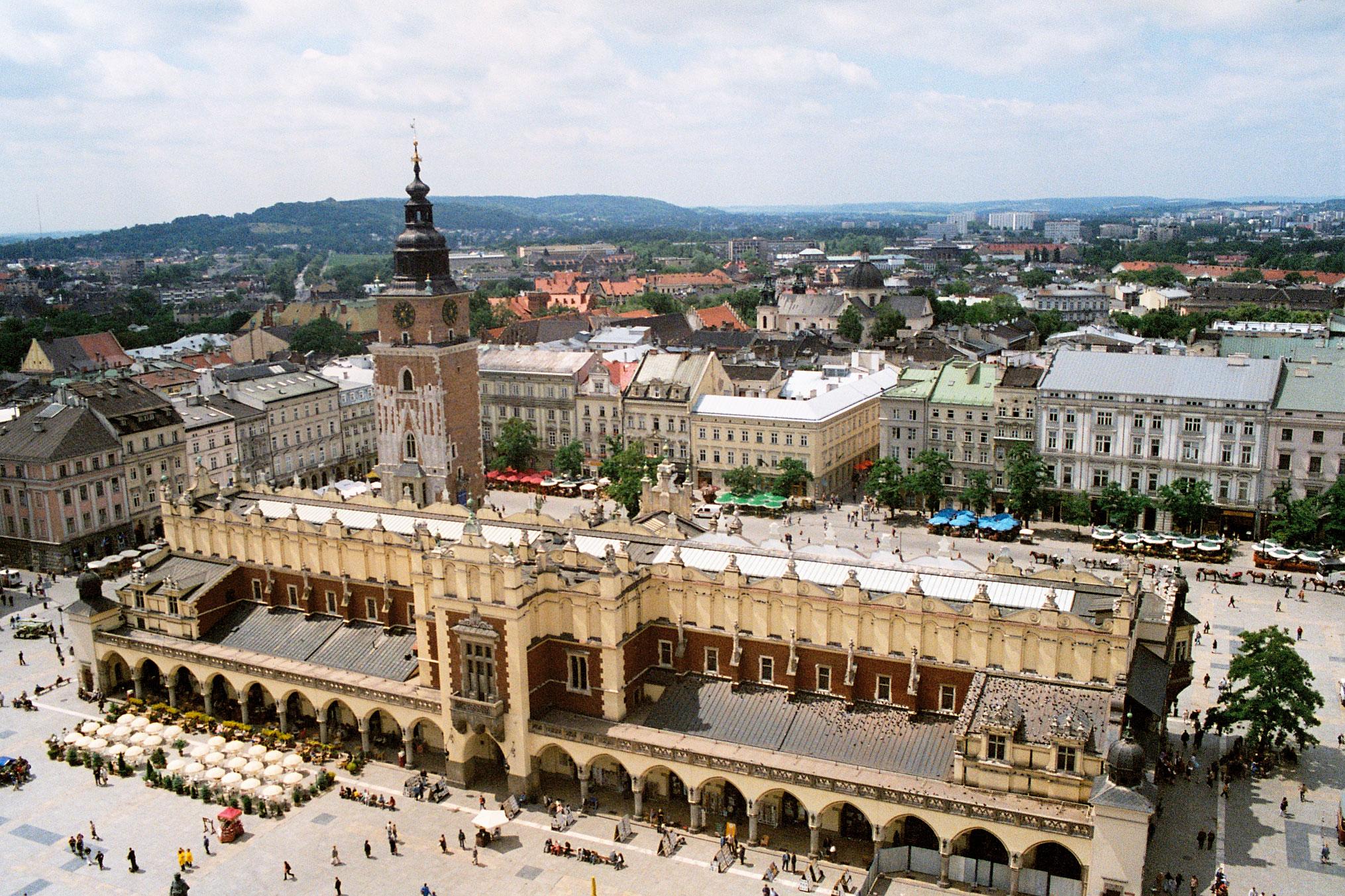 Main Square in Kraków; photo: creative commons