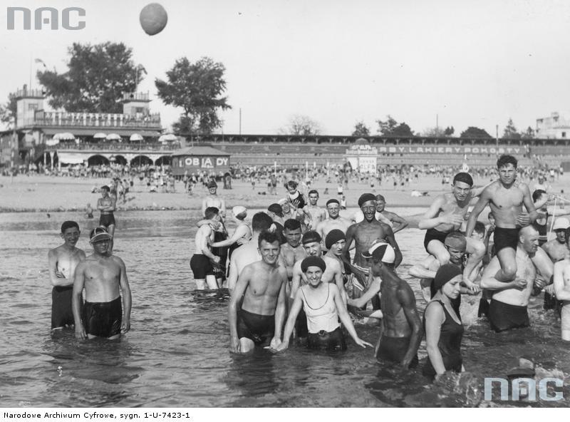 Warsaw beach Poniatówka, photo: National Digital Archive