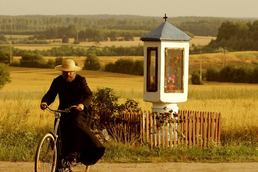 """Kadr z filmu """"U Pana Boga za piecem"""", w reż. Jacka Bromskiego, fot. Vision Film Distribution"""