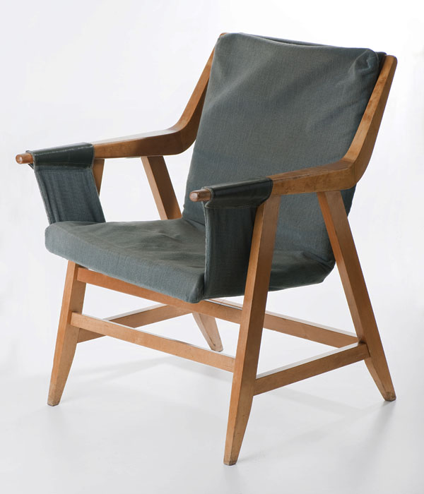 Maria Chomentowska, armchair, produced by the Furniture Wing of the Industrial Design Institute in Warsaw, 1957, collections of the National Museum in Warsaw, photo: Michał Korta