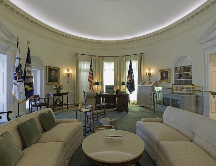 Nicolas Grospierre, photograph from the Oval Offices series, 2013. Lyndon B. Johnson Presidential Library and Museum, Austin, Texas